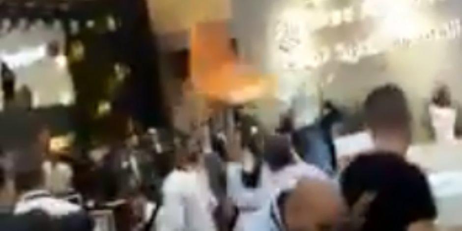 معركة بالكراسي وإصابات بالغة في معرض الأهرام العقاري.. وعبدالمحسن سلامة يعلق (فيديو وصور)