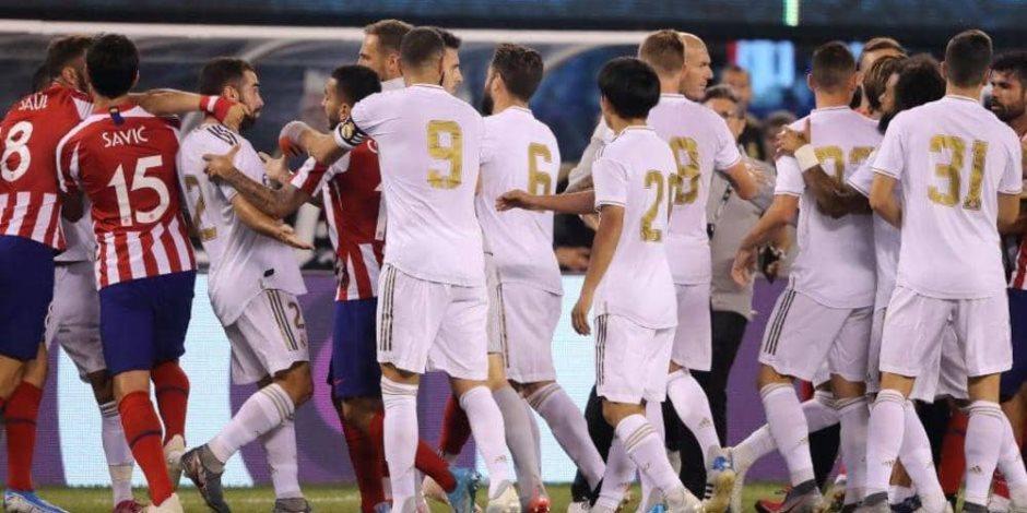 بعد فضيحة الـ7 أمام أتليتكو.. جماهير ريال مدريد الغاضبة تطالب بطرد زيدان؟