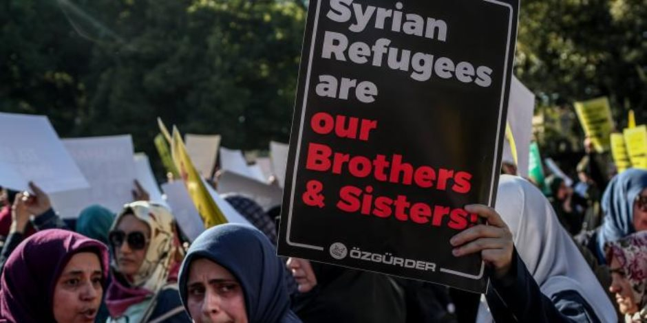 تخوفات من تعرض حياة الآلاف منهم للخطر.. أردوغان يضحي بمئات اللاجئين السوريين