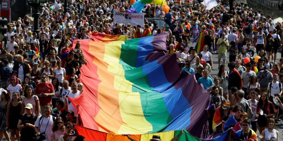 تفاصيل سماح محكمة إسرائيلية للمثليين بالإنجاب بتأجير الأرحام