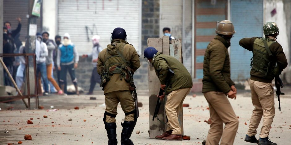 احتدام الصراع الباكستاني الهندي.. وإقليم كشمير على صفيح ساخن
