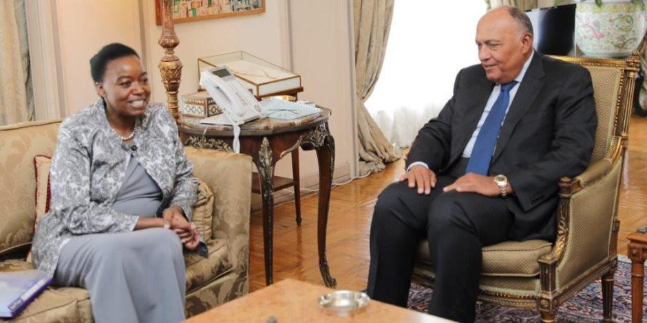 شكري يعرب لوزيرة خارجية كينيا عن عدم ارتياح مصر لطول أمد مفاوضات سد النهضة