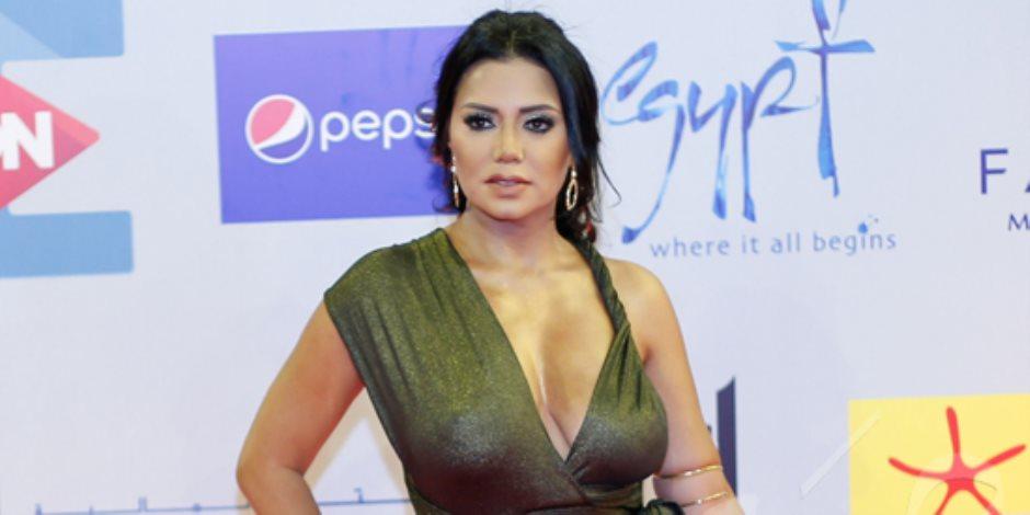 فستان رانيا يوسف.. عاصفة جديدة في مهرجان الجونة (صور)