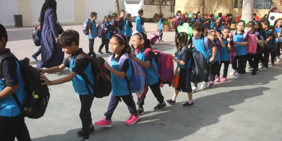 التعليم تؤكد بدء الدراسة فى المدارس الرسمية الدولية غدا الأحد
