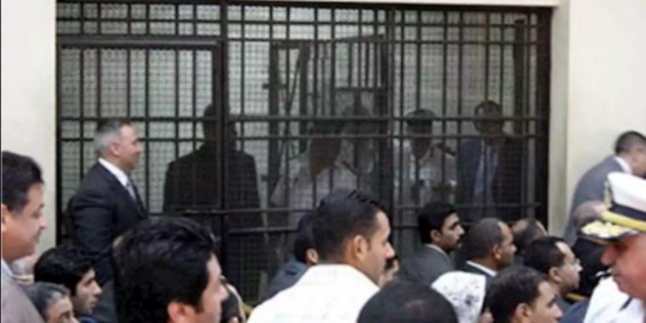 تفاصيل إحالة الكسب غير المشروع لـ19 موظفا في قضية «فساد القمح» للجنايات