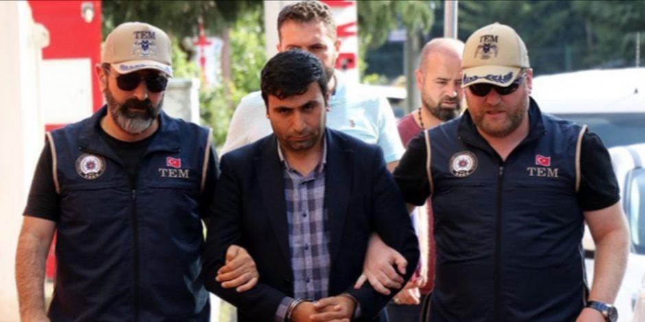قال الحرب لا تجلب إلا الدمار .. الشرطة التركية تعتقل عضو مجلس محلي بلديه «ديل أوفاسي»