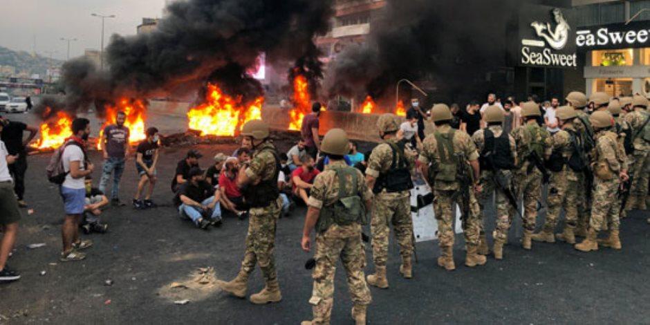 بعد اشتعالها بسبب رسوم «واتس آب».. مسئولون لبنانيون يتحدثون عن تظاهرات بيروت