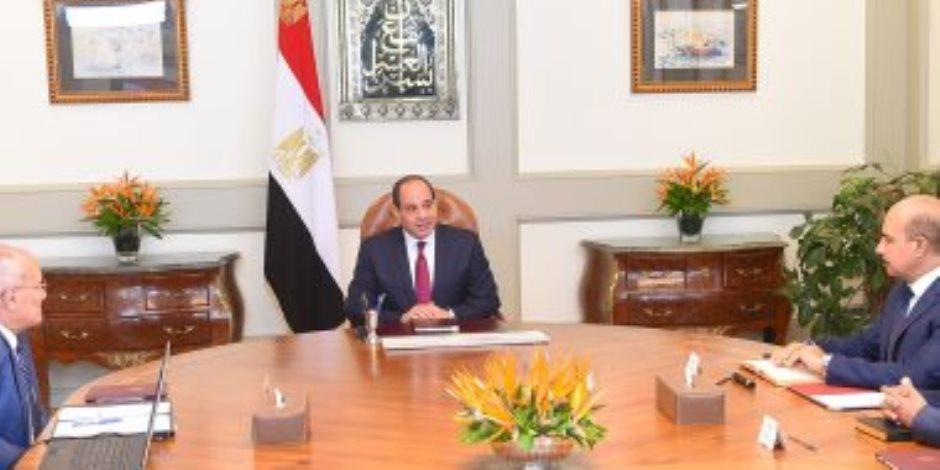 السيسى يلتقى العصار ويوجه بمواصلة الجهود لتوطين صناعة النقل فى مصر