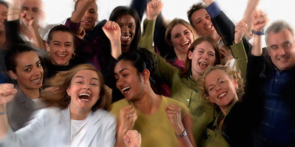 لمواجهة التوتر والاكتئاب.. عليك بممارسة رياضة «يوجا الضحك»