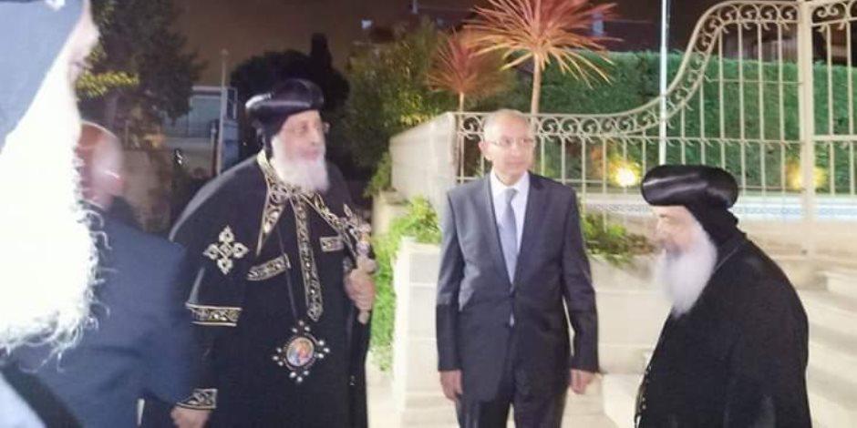 البابا تواضروس يزور القنصلية المصرية بمارسيليا (صور)