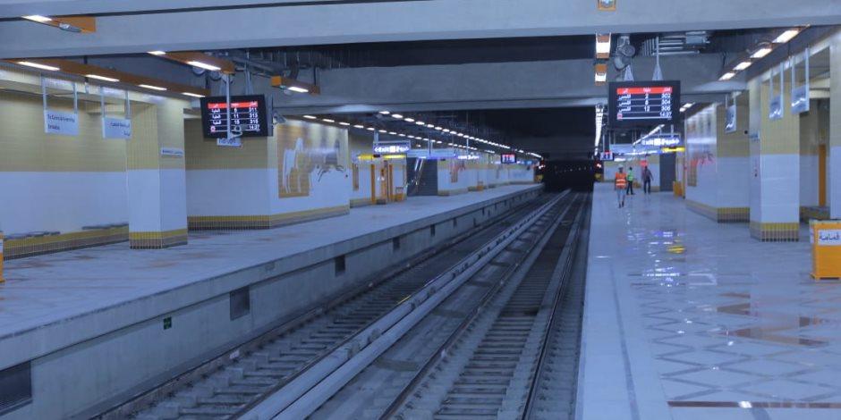 وزير النقل يشهد وصول ماكينة الحفر العملاق بالخط الثالث لمترو محطة ماسبيرو