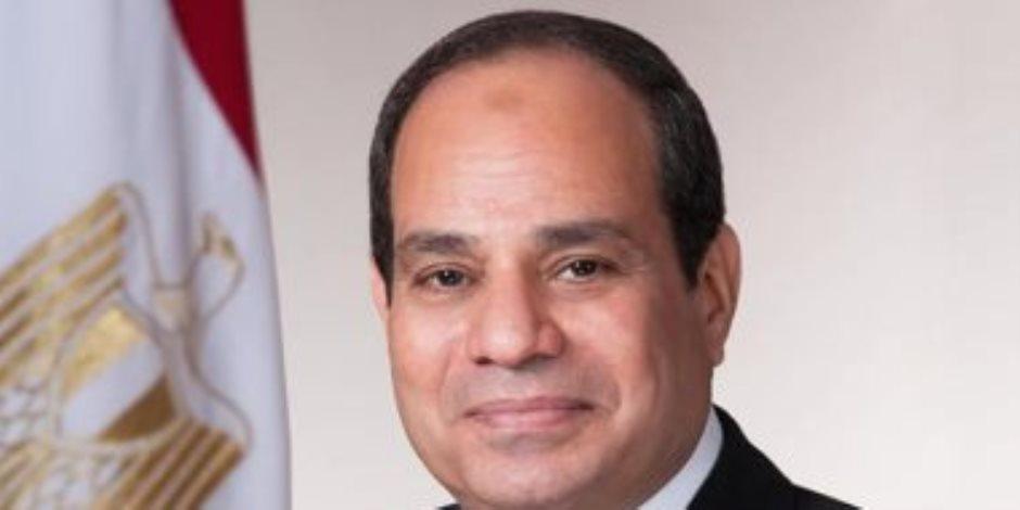 الرئيس السيسي يتفقد عددا من المشروعات بمنطقة مصر الجديدة.. (فيديو)