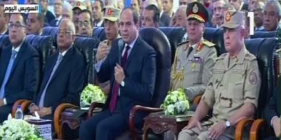 """الرئيس السيسى: """"الصناعة القطاع الوحيد اللى لسه مخدش فرصته"""""""