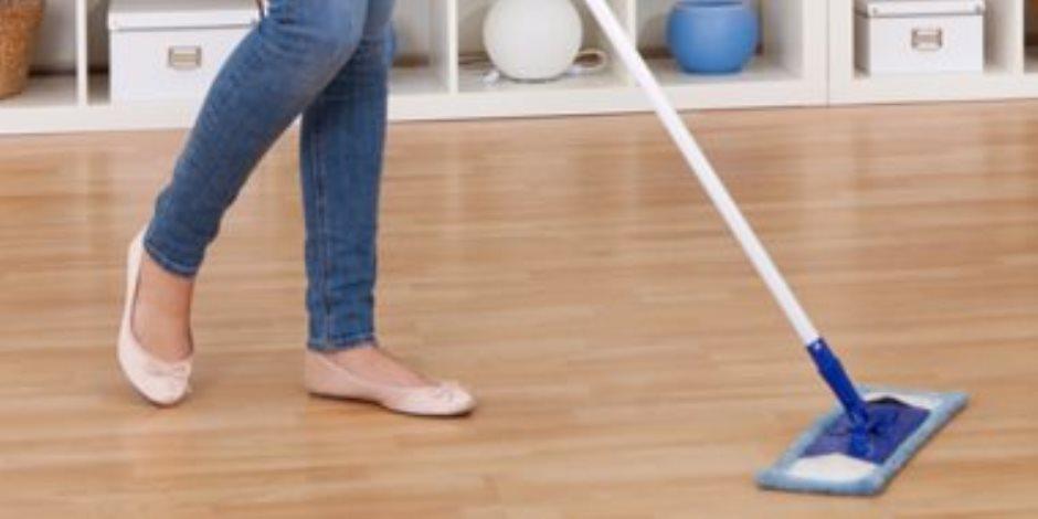 كيفية تنظيف الأرضيات الخشبية بكل سهولة