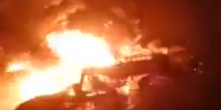 السيطرة على حريق خط الغاز بالبحيرة.. ووصول فريق النيابة العامة للتحقيق (فيديو)