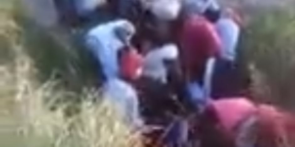 ننشر فيديو محاولة سرقة خط بترول إيتاي البارود بالبحيرة والمتسبب في حريق الغاز