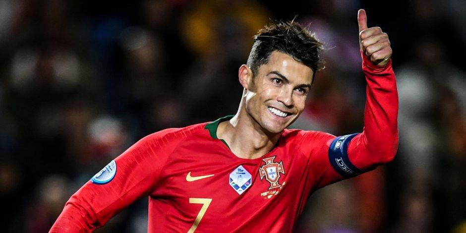 كريستيانو رونالدو يكتب التاريخ.. هل يتربع الدون على عرش الكرة العالمية؟
