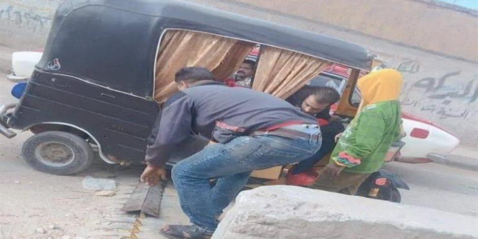 """شخلل علشان تعدي.. القبض على المتهم بـ""""إتلاف المطبات الشوكية"""" في الشرقية (صور)"""