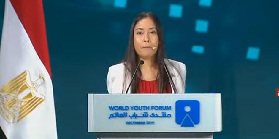 جيسيكا كوكس أول طيار دون ذراعين في العالم تبهر الحضور في افتتاح منتدى شباب العالم