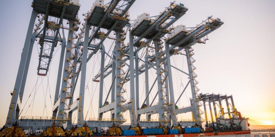 بحلول 2020.. ميناء السخنة يستقبل 4 رافعات للعمل في الحوض الثاني