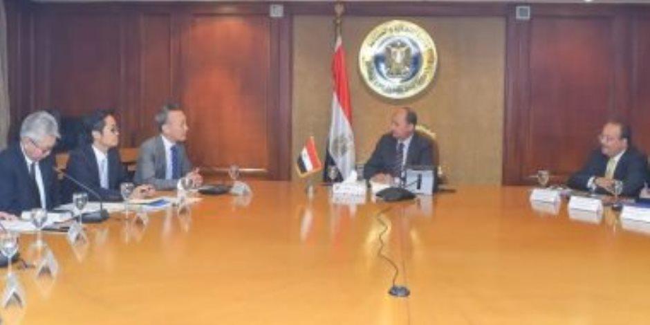 وزير الصناعة يلتقي وفد شركة تويوتا العالمية لاستعراض مشروعاتها في مصر
