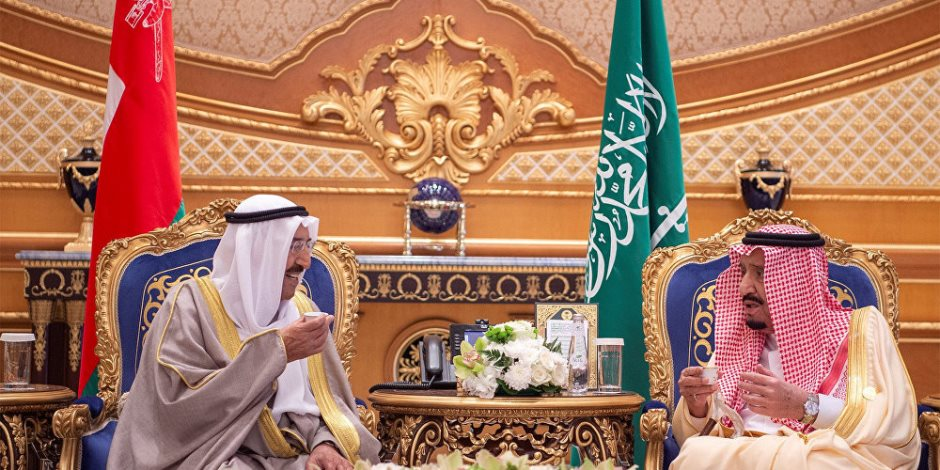الكويت والسعودية توقعان اتفاقا حول تقسيم المنطقة المحايدة