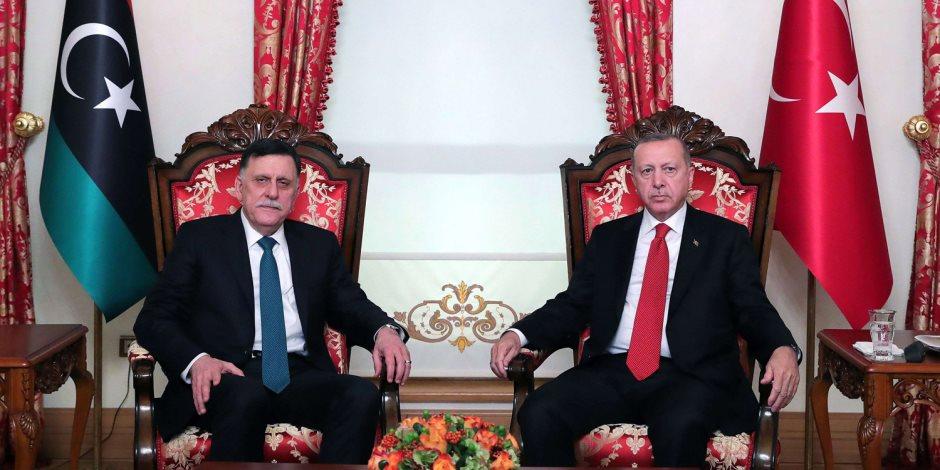 من الذي سهل للأتراك احتلال قاعدة الوطية في ليبيا؟