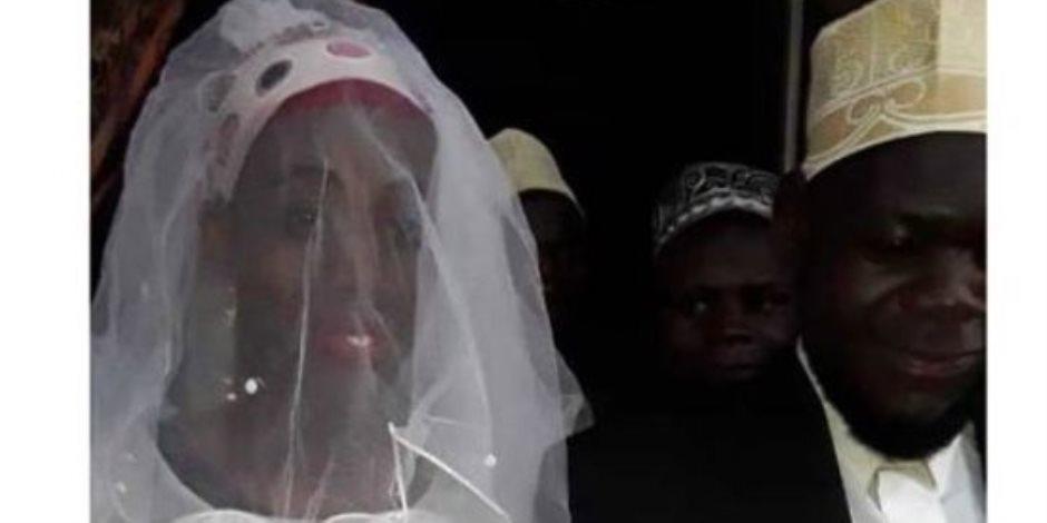 كان حجابها سر أنوثتها .. أوغندي يكتشف أن زوجته رجل بعد أسبوعين (صور)