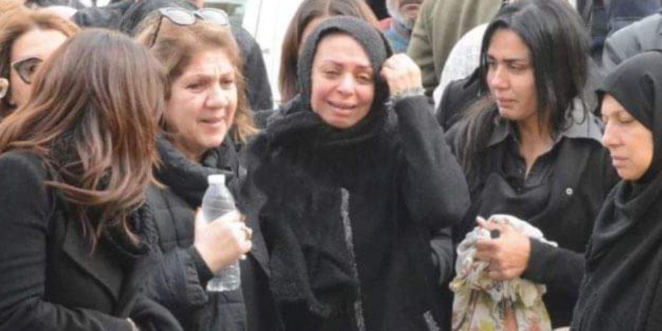 تشييع جثمان نجل رئيسة القومى للمرأة إلى مثواه الأخير بمقابر البساتين