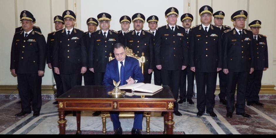 وزير الداخلية مهنئًا الرئيس بعيد الشرطة: سنواصل العطاء مهما بلغت التحديات (صور)