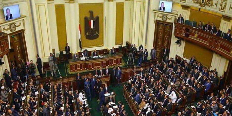 """"""" عبدالعال """" احتوي الأزمات الثلاثة.. 3 مشاهد توضح العلاقة المتوترة بين البرلمان والحكومة"""