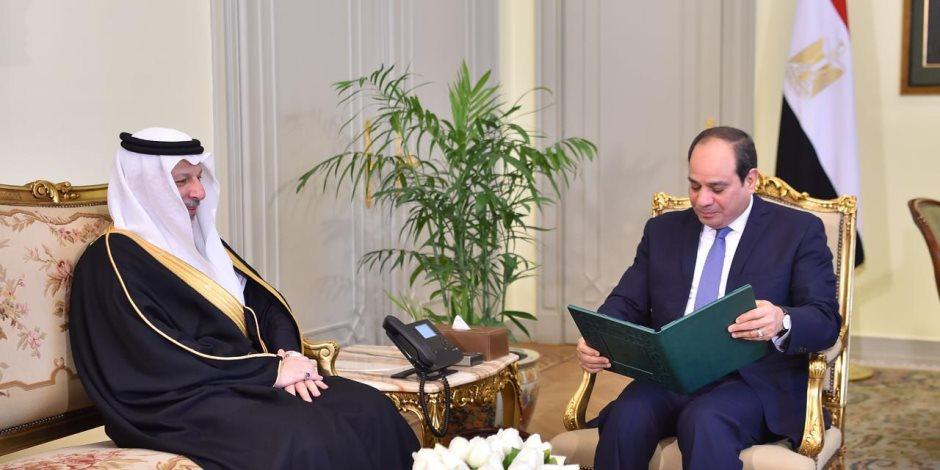 الرئيس السيسي يتسلم رسالة من خادم الحرمين الشريفين.. ويؤكد خصوصية العلاقات بين البلدين