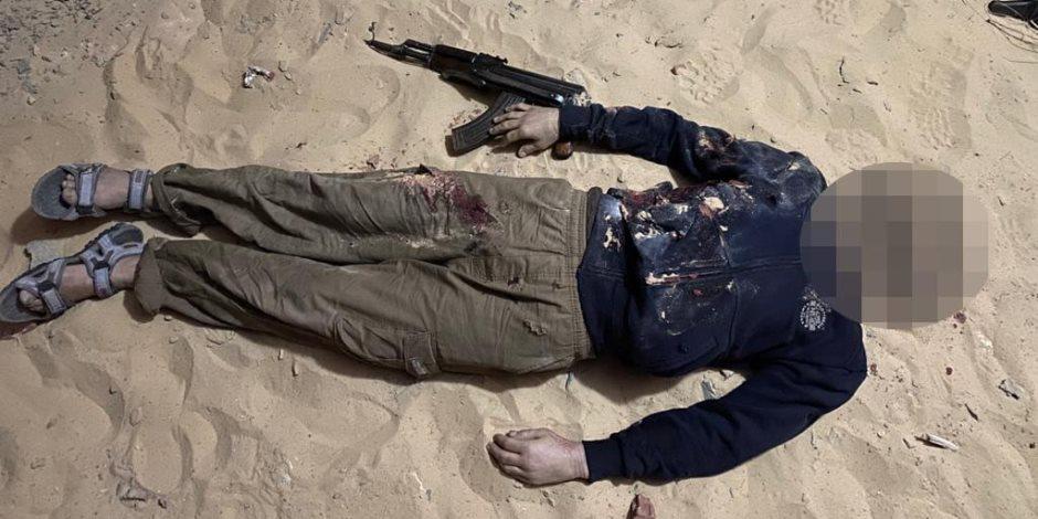 الداخلية : مصرع 17 إرهابي في تبادل لإطلاق النار  داخل وكر بالعريش (صور)