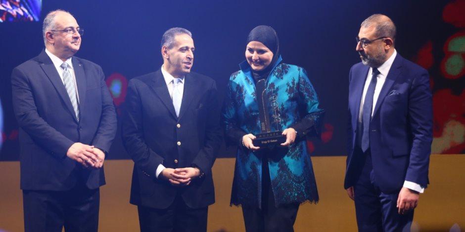 احتفالية bt100 تمنح جائزة لإنجى الصبان الرئيس التنفيذى لشركة فيكتورى لينك