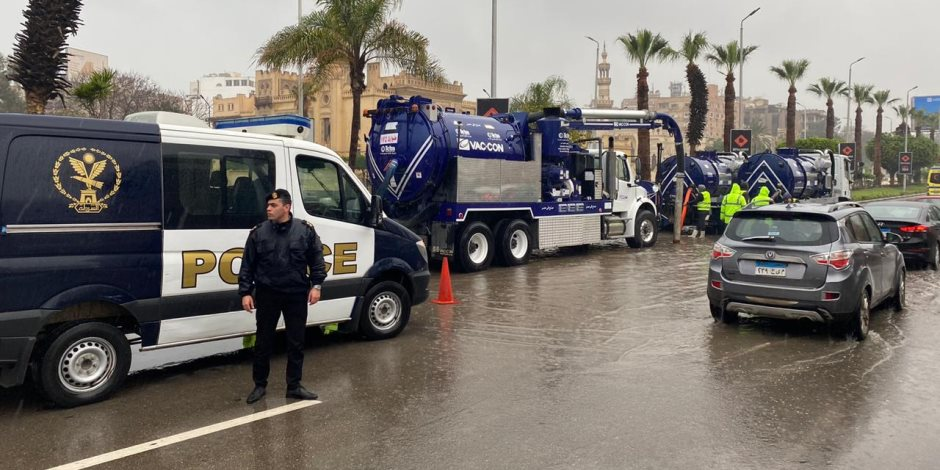 المرور: فتح بوابة القاهرة الإسكندرية بعد شفط المياه ونشر الخدمات المرورية لملاحظة الحالة