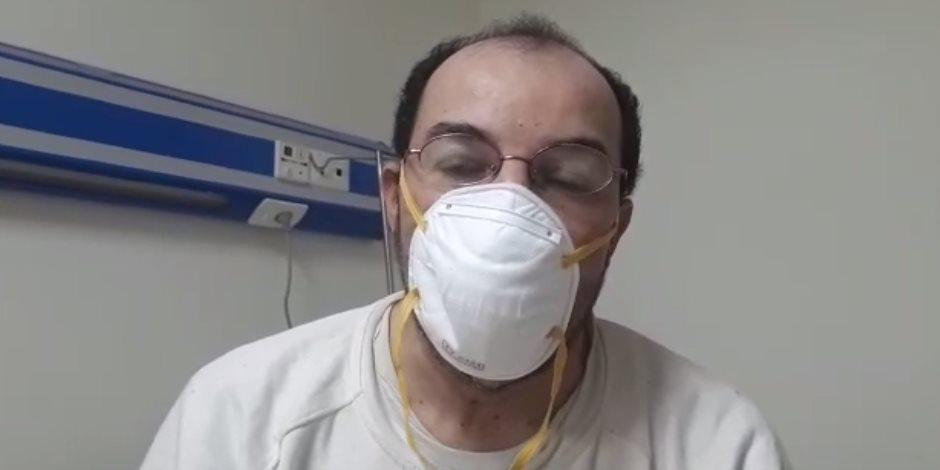 والد التلميذ المصاب بكورونا ونجله: وجدنا رعاية تامة من أطباء مستشفي الإسماعيلية