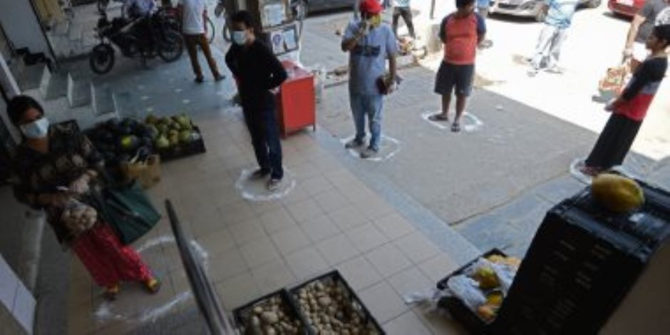 «الوقاية خير من العلاج».. كورونا تدفع المصريين فى الخارج للمزيد من الإجراءات الاحترازية