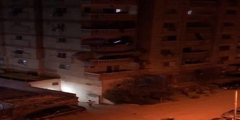 الإقبال تاريخي على ترديد «بنت الجيران».. كيف آنست «البلكونة» المصرين وقت الحظر؟ (وفيديو)