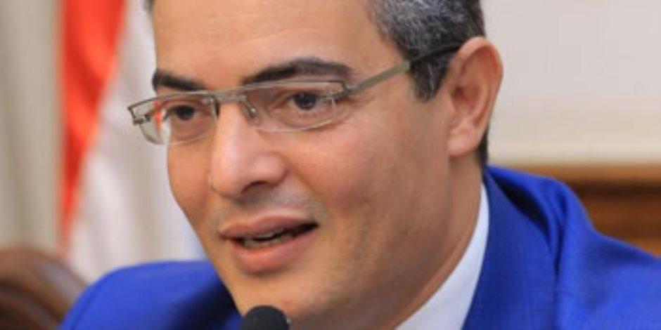 نقيب الإعلاميين: قنوات الإخوان تجند متآمرين كضيوف من أجل تشويه الإنجازات المصرية