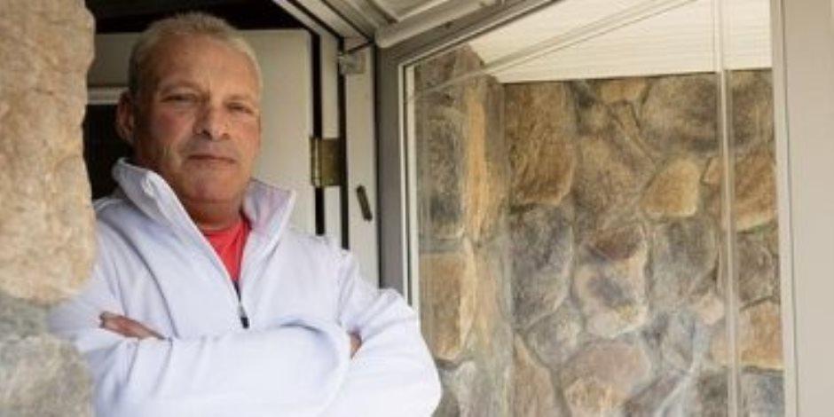 قصة أمريكى رفض دخول نجله المنزل بسبب كورونا