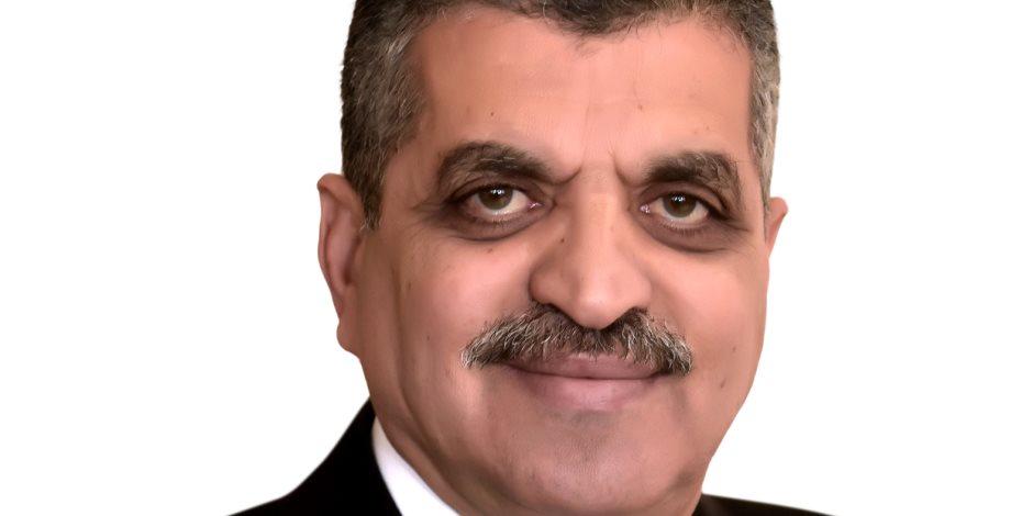 رئيس قناة السويس: أراد الله أن يتم تعويم السفينة بأيادى مصرية