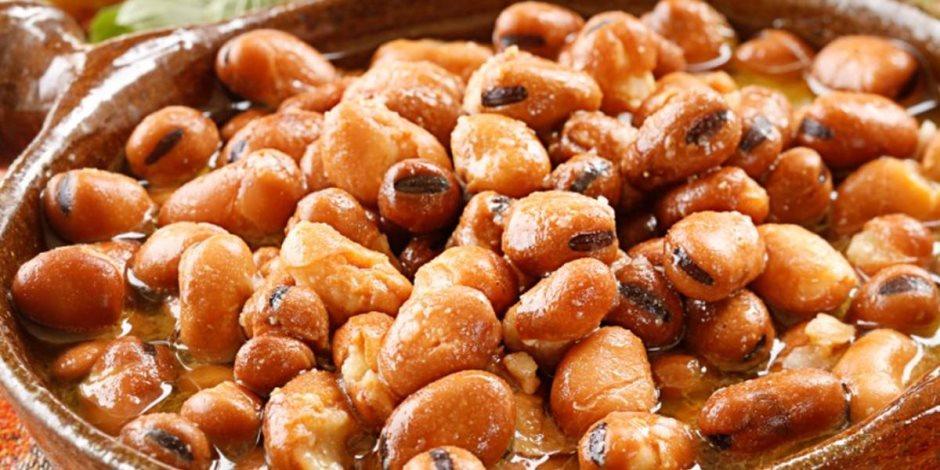 «مسمار البطن».. المصريون يأكلون فول بـ458 مليون جنيه في رمضان