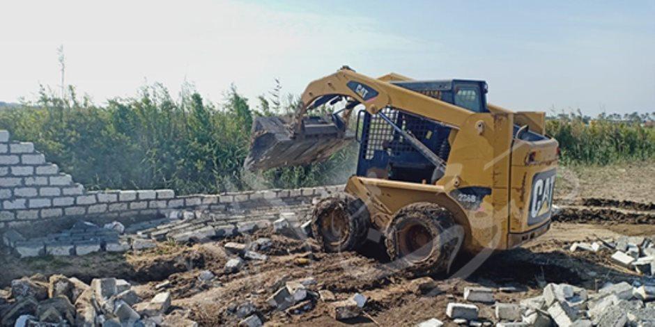 حملات مكبرة لإزالة التعديات على الأراضي والبناء المخالف بمحافظات الجمهورية