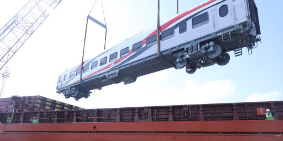 وصول دفعة جديدة من عربات السكة الحديد الروسية ميناء الإسكندرية اليوم
