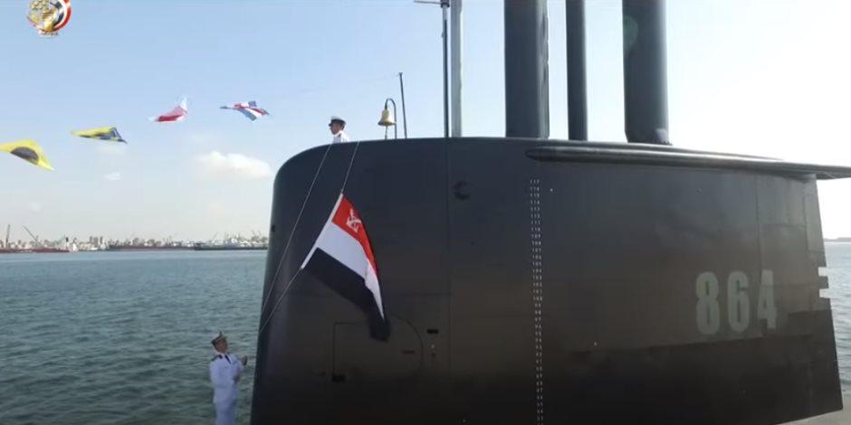 شاهد.. الغواصة تايب 209 قوة جديدة تضاف للبحرية المصرية