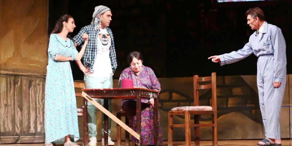 «خيبتنا».. هل تنبأت مسرحية محمد صبحي بانتشار فيروس كورونا حول العالم؟
