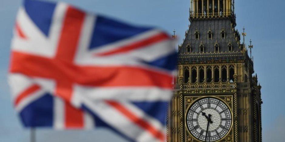 """""""أحمد وأوسكار"""".. قصة نيجيريين وراء إدانة وزيرة داخلية بريطانيا"""