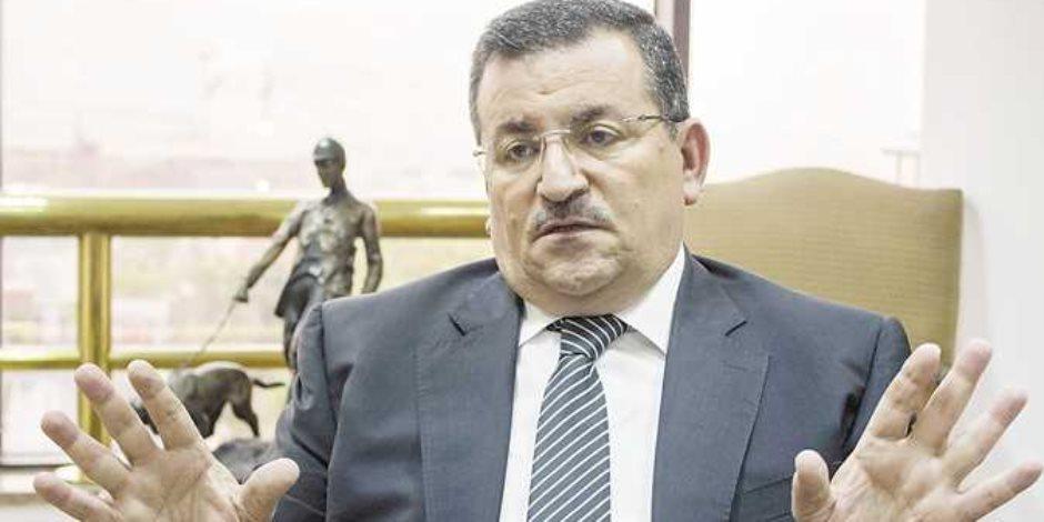 أسامة هيكل.. وزير المخالفات