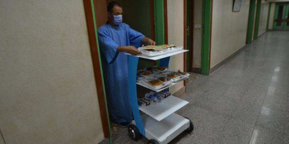 تفاصيل إطلاق أول «روبوت» مصري لعلاج المصابين بيفروس كورونا عن بُعد