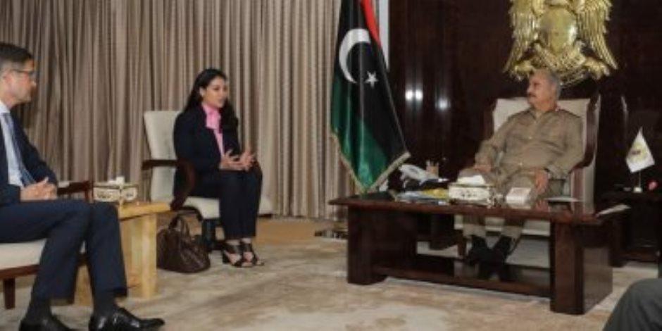 «حفتر» يكذب شائعات الإخوان ويجتمع مع سفير ألمانيا في ليبيا لمناقشة إعلان القاهرة